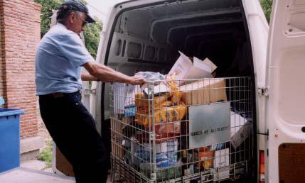 Voluntario trabajando en Banco de Alimentos
